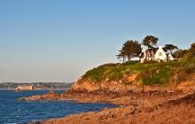 Vue sur mer et le château du Taureau
