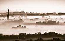 Plounéour-Ménez dans le brouillard